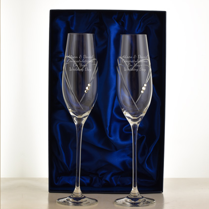 Professionally personalised wedding glasses by keepitpersonal personalised love heart champagne flutes with swarovski elements solutioingenieria Choice Image